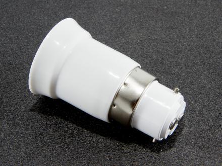 BA22 till E27 lamp-adapter