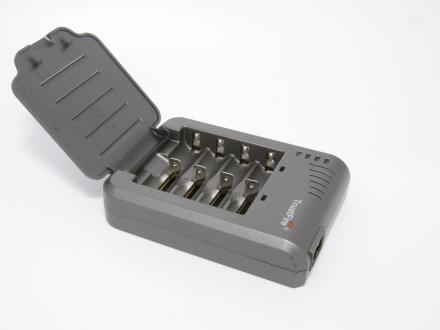 Laddare från TrustFire för 1-4 Litiumbatterier