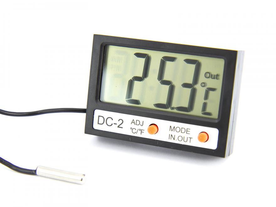 Digital termometer med utomhus-sensor